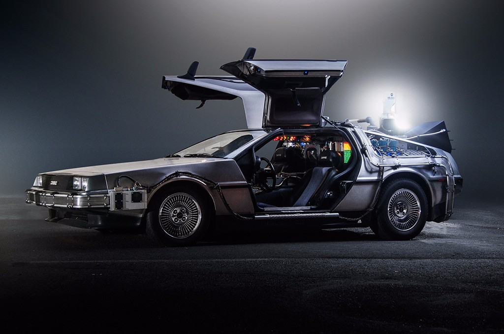 DeLorean Regreso Al Futuro 01