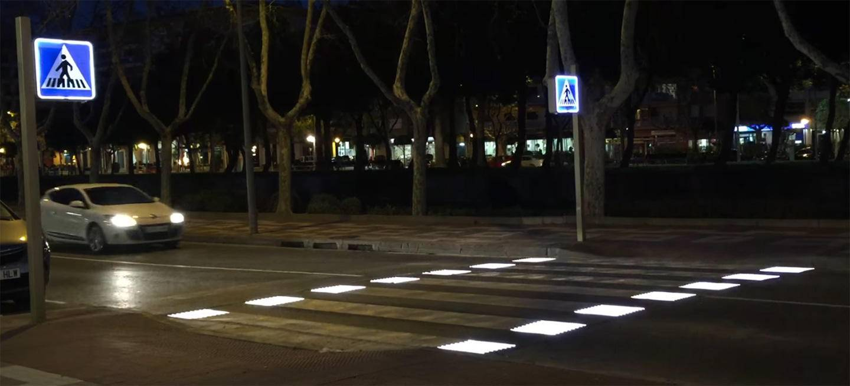 Instalan En Cambrils El Primer Paso De Peatones Inteligente