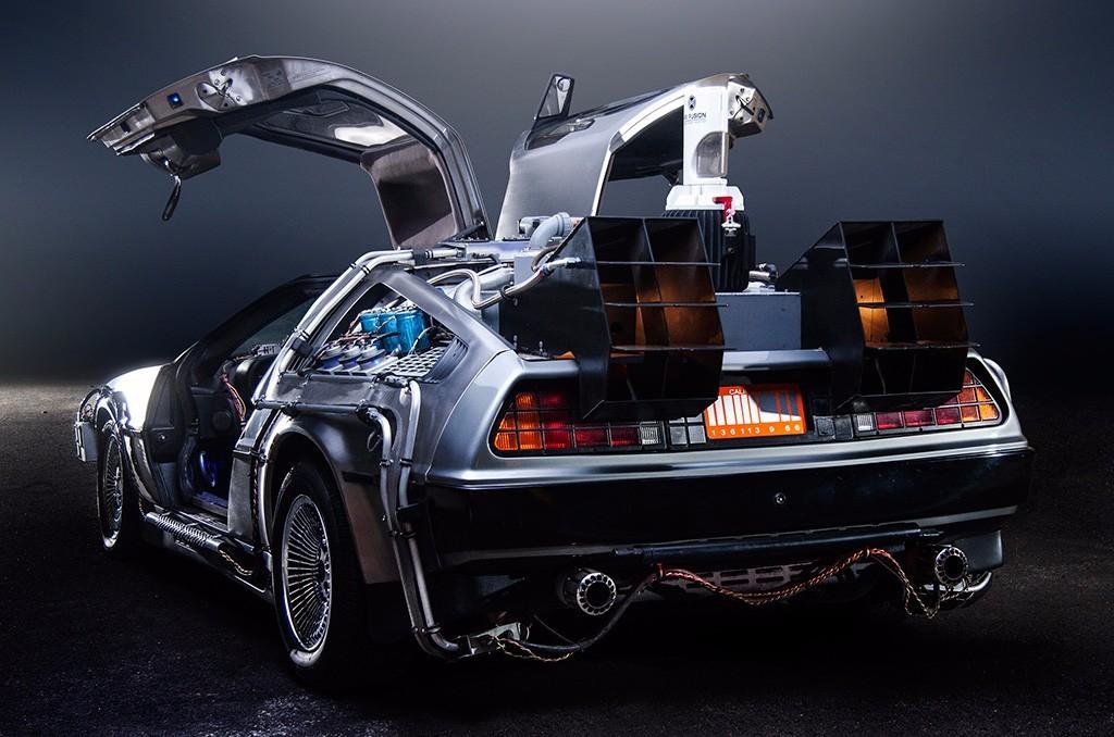 DeLorean-Regreso-al-futuro-02.jpg
