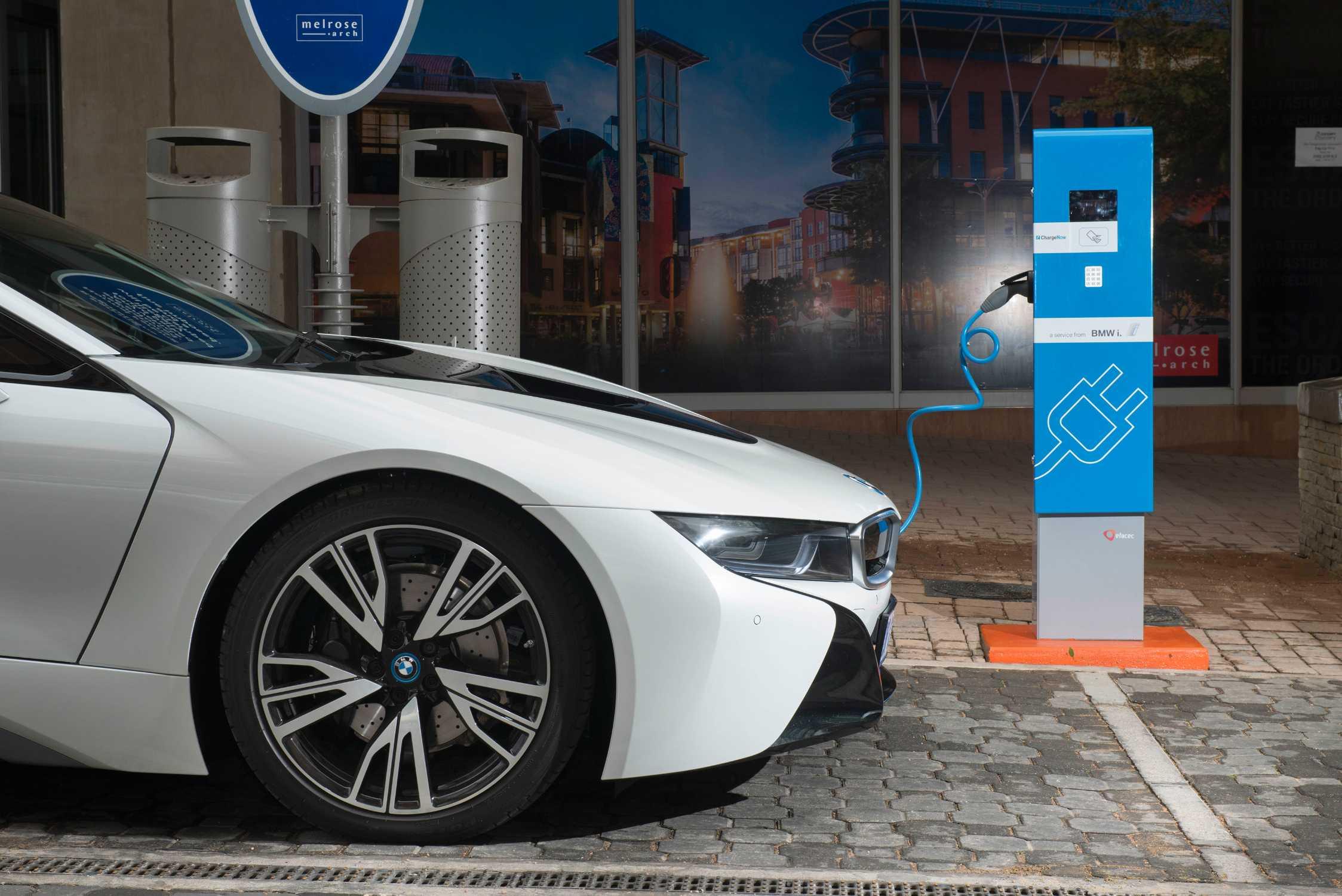 Todos Los Modelos De BMW Contarán En 2020 Con Una Versión Eléctrica O Híbrida